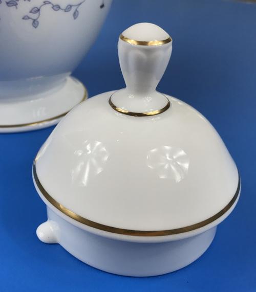 lenox_teapot_lid_detail