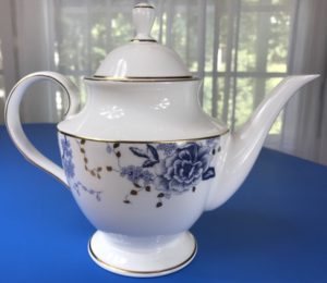 Review: Lenox Garden Grove Teapot