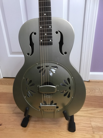 aframe_guitar_stand_acoustic_front