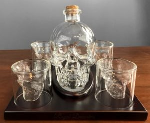 Review Skull Whiskey Decanter and Glass Set