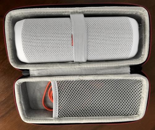 jbl_flip_4_speaker_in_case